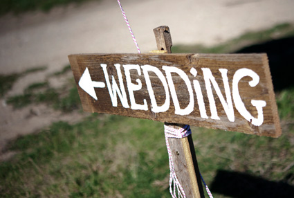 Your outdoor Willowbank wedding will be complete at Willowbank - We look after the details.